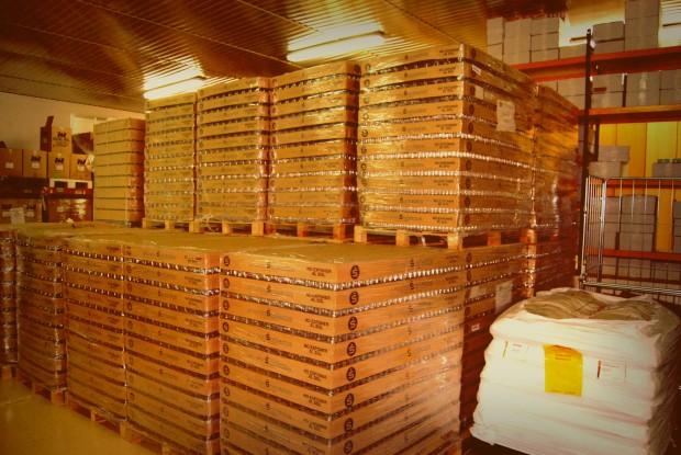 El almacenaje de los botes donde posteriormente se insertarán las diferentes especies.