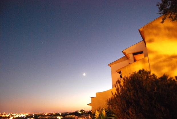 Vista nocturna del mirador de Altea.