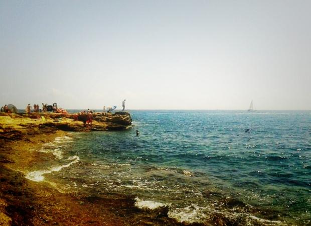 El conjunto histórico bordeado de agua cristalina es un lugar ideal para realizar snorkel.