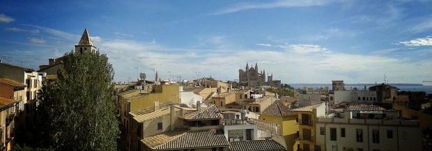 Mallorca ciudad desde el cielo.