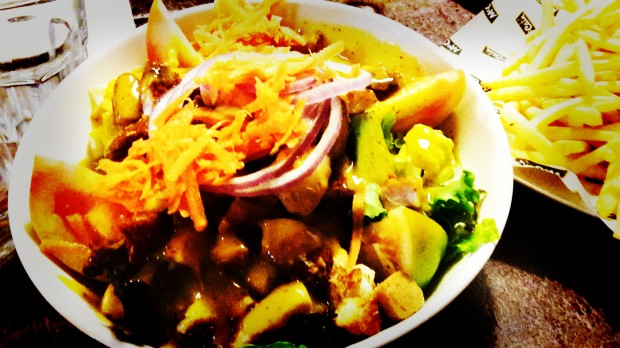 Uptown. Fastfood in Benidorm, ensalada césar.