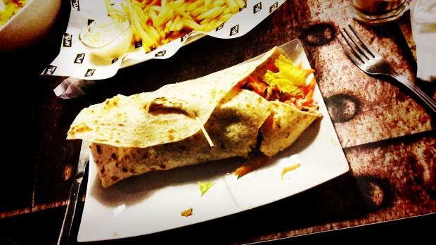 Uptown. Fastfood in Benidorm, kebab de pollo.
