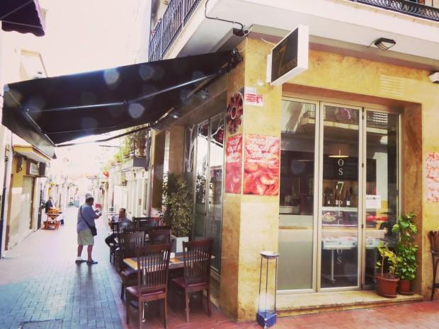 Exterior del Restaurante Los 7 pecados en Benidorm.