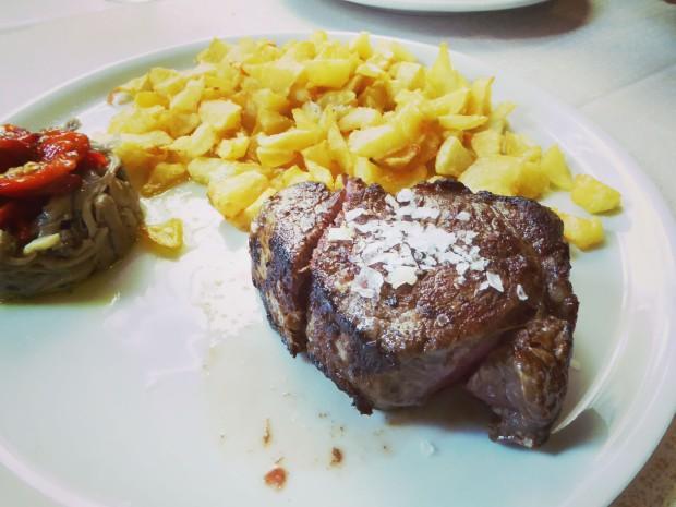 Restaurante Los 7 pecados en Benidorm, solomillo a la pimienta.