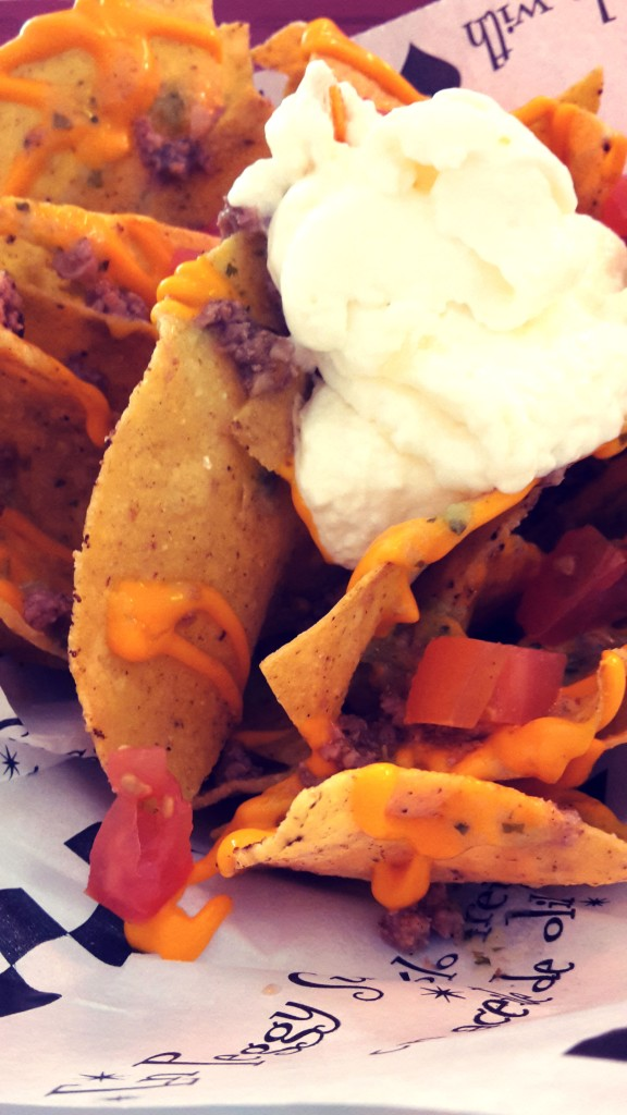 Peggy Sue Benidorm , nachos.