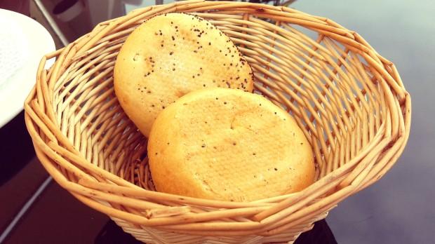 Restaurantes en Altea, Can Tapetes del port, el pan.