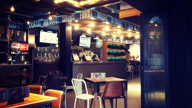 TGB fast food in Benidorm , el local.
