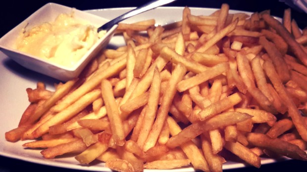Dulcinea, patatas fritas con mayonesa.