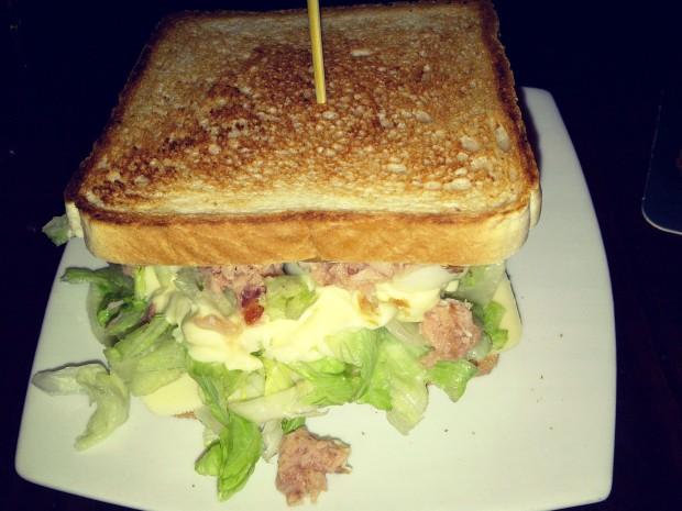 Sanwich de atún con queso, Dulcinea, Benidorm.