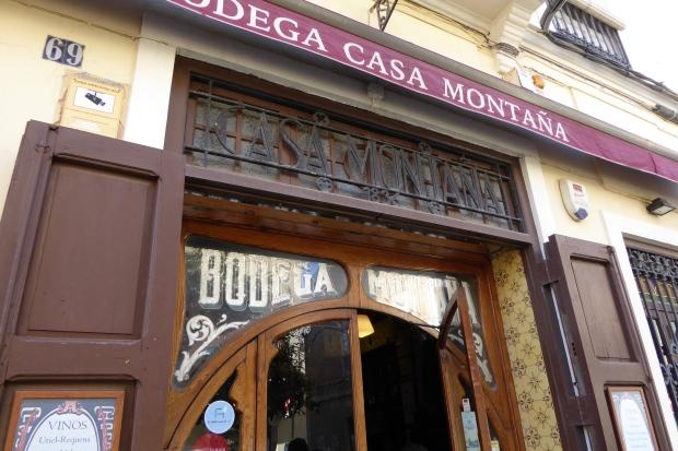 Valencia , Bodega Casa Montaña.