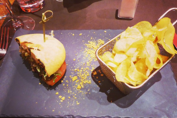 Guía de restaurantes en Benidorm, dónde comer hamburguesas.